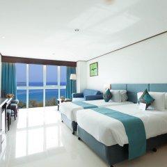 Отель Andaman Beach Suites Hotel Таиланд, Пхукет - 8 отзывов об отеле, цены и фото номеров - забронировать отель Andaman Beach Suites Hotel онлайн комната для гостей фото 4