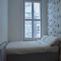 Отель Chic 2 Bedroom Flat By Warwick Avenue Великобритания, Лондон - отзывы, цены и фото номеров - забронировать отель Chic 2 Bedroom Flat By Warwick Avenue онлайн комната для гостей фото 3