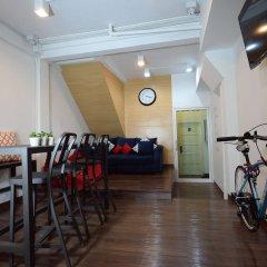 Отель Hostel Shane Bangkok Таиланд, Бангкок - отзывы, цены и фото номеров - забронировать отель Hostel Shane Bangkok онлайн спортивное сооружение