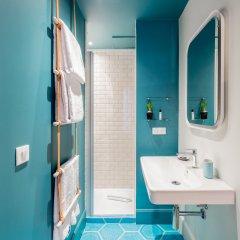 Отель 1er Etage SoPi Франция, Париж - отзывы, цены и фото номеров - забронировать отель 1er Etage SoPi онлайн ванная