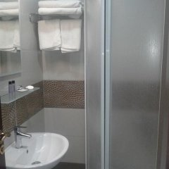 Baskent Otel Турция, Дикили - отзывы, цены и фото номеров - забронировать отель Baskent Otel онлайн ванная фото 2