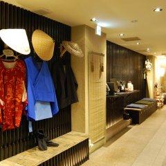 Отель Khaosan Tokyo Samurai Япония, Токио - отзывы, цены и фото номеров - забронировать отель Khaosan Tokyo Samurai онлайн интерьер отеля фото 3