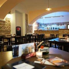 Отель Usedlost Kotlářka Чехия, Прага - отзывы, цены и фото номеров - забронировать отель Usedlost Kotlářka онлайн гостиничный бар