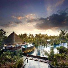 Отель Pullman Oceanview Sanya Bay Resort & Spa парковка