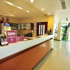 Отель ZEN Rooms Ratchadaphisek Soi Sukruamkan интерьер отеля