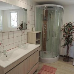 Отель La Jarillais Франция, Сомюр - отзывы, цены и фото номеров - забронировать отель La Jarillais онлайн ванная фото 3