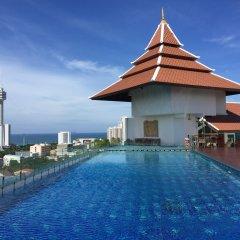 Aiyara Grand Hotel бассейн