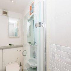 Отель Natural light and modern home in Primrose Hill Великобритания, Лондон - отзывы, цены и фото номеров - забронировать отель Natural light and modern home in Primrose Hill онлайн ванная фото 2