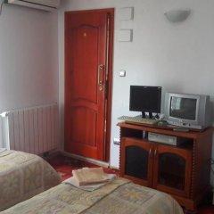 Отель Rai Болгария, Шумен - отзывы, цены и фото номеров - забронировать отель Rai онлайн удобства в номере фото 2
