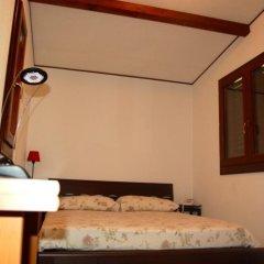 Отель B&B Il Sentiero Сиракуза сейф в номере
