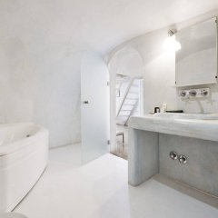 Отель Rocabella Santorini Hotel Греция, Остров Санторини - отзывы, цены и фото номеров - забронировать отель Rocabella Santorini Hotel онлайн ванная фото 2
