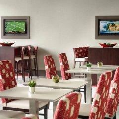Отель Marriott Columbus University Area питание