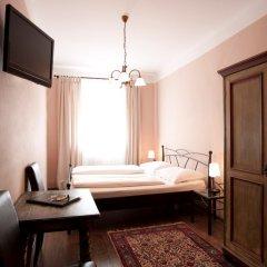 Отель Altstadthotel Kasererbräu Австрия, Зальцбург - 3 отзыва об отеле, цены и фото номеров - забронировать отель Altstadthotel Kasererbräu онлайн комната для гостей фото 2