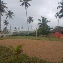 Отель Stumble Inn Eco Lodge Гана, Шама - отзывы, цены и фото номеров - забронировать отель Stumble Inn Eco Lodge онлайн спортивное сооружение
