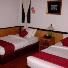 Отель Palace Nyaung Shwe Guest House Мьянма, Хехо - отзывы, цены и фото номеров - забронировать отель Palace Nyaung Shwe Guest House онлайн комната для гостей фото 2