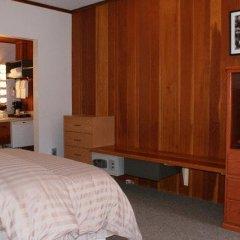 Отель Pauls Motor Inn Канада, Виктория - отзывы, цены и фото номеров - забронировать отель Pauls Motor Inn онлайн удобства в номере