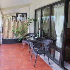 Отель The Begnas Lake Resort & Villas Непал, Лехнат - отзывы, цены и фото номеров - забронировать отель The Begnas Lake Resort & Villas онлайн балкон