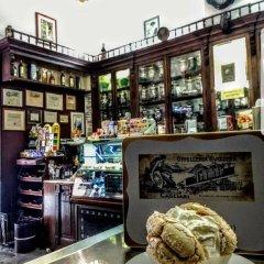 Отель Piazza Martiri Rooms гостиничный бар
