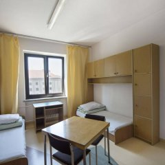Отель Dizzy Daisy Hostel Польша, Вроцлав - отзывы, цены и фото номеров - забронировать отель Dizzy Daisy Hostel онлайн комната для гостей фото 5