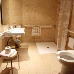 Отель MH Hotel Piacenza Fiera Италия, Пьяченца - отзывы, цены и фото номеров - забронировать отель MH Hotel Piacenza Fiera онлайн ванная фото 2