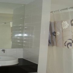 Отель Ideo Mix Sukhumvit 103 By Winnie ванная фото 2