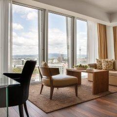 Отель Jumeirah Frankfurt гостиничный бар