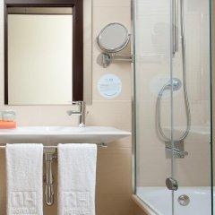 Отель NH Barcelona Diagonal Center Испания, Барселона - 14 отзывов об отеле, цены и фото номеров - забронировать отель NH Barcelona Diagonal Center онлайн ванная