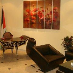 Отель Beity Rose Suites Hotel Иордания, Амман - отзывы, цены и фото номеров - забронировать отель Beity Rose Suites Hotel онлайн интерьер отеля