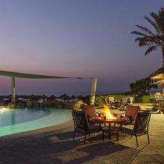 Отель Coral Beach Resort - Sharjah ОАЭ, Шарджа - 8 отзывов об отеле, цены и фото номеров - забронировать отель Coral Beach Resort - Sharjah онлайн бассейн фото 3
