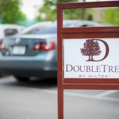 DoubleTree by Hilton Hotel Yerevan City Centre городской автобус