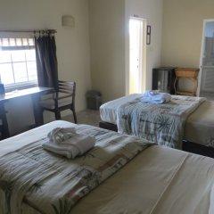 Отель Moxons Beach Club Boutique Hotel Ямайка, Монастырь - отзывы, цены и фото номеров - забронировать отель Moxons Beach Club Boutique Hotel онлайн комната для гостей фото 4