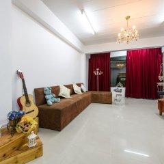 Отель Sindy's Place комната для гостей