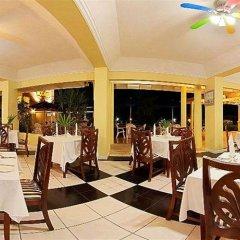 Отель Rooms on the Beach Ocho Rios Ямайка, Очо-Риос - 8 отзывов об отеле, цены и фото номеров - забронировать отель Rooms on the Beach Ocho Rios онлайн питание фото 2