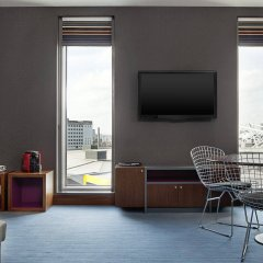 Отель Aloft London Excel комната для гостей фото 3