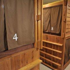 Отель Khaosan Tokyo Samurai Япония, Токио - отзывы, цены и фото номеров - забронировать отель Khaosan Tokyo Samurai онлайн удобства в номере фото 2