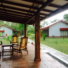 Отель Vista Rooms Kataragama Main Street Шри-Ланка, Катарагама - отзывы, цены и фото номеров - забронировать отель Vista Rooms Kataragama Main Street онлайн вид на фасад