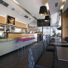 Отель Clarion Suites Gateway гостиничный бар