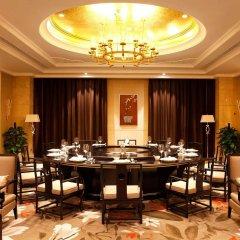 Отель Wyndham Grand Xiamen Haicang Китай, Сямынь - отзывы, цены и фото номеров - забронировать отель Wyndham Grand Xiamen Haicang онлайн питание фото 2