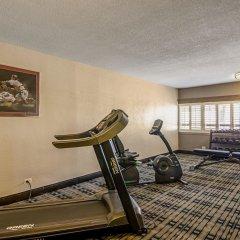 Отель Quality Inn & Suites Denver Stapleton фитнесс-зал фото 4