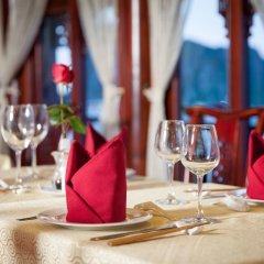 Отель Halong Royal Palace Cruise в номере