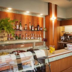 Hotel Ostuni Римини гостиничный бар