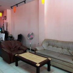 Апартаменты Parinya's Apartment Паттайя комната для гостей фото 3