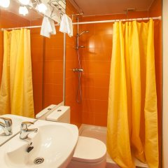Отель Apartamentos Turísticos Bahía de Boó ванная фото 2
