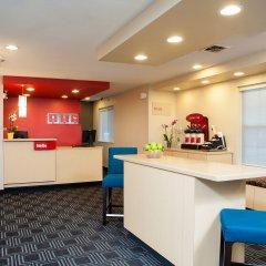 Отель TownePlace Suites by Marriott Indianapolis - Keystone интерьер отеля
