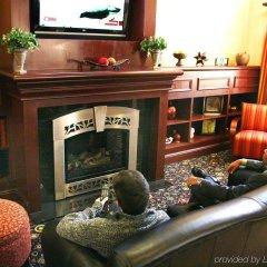 Отель Hampton Inn & Suites Los Angeles Burbank Airport Лос-Анджелес интерьер отеля фото 2