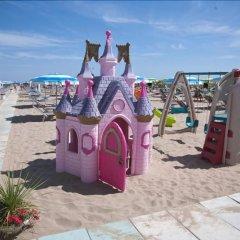 Отель Vienna Ostenda Италия, Римини - 2 отзыва об отеле, цены и фото номеров - забронировать отель Vienna Ostenda онлайн пляж фото 2