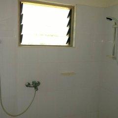 Отель The Beach house Гана, Шама - отзывы, цены и фото номеров - забронировать отель The Beach house онлайн ванная