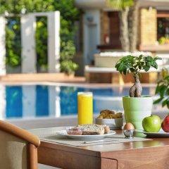 Отель Blazer Suites Hotel Греция, Афины - 1 отзыв об отеле, цены и фото номеров - забронировать отель Blazer Suites Hotel онлайн балкон