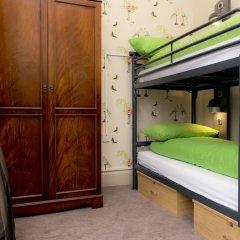 YHA Brighton - Hostel Брайтон сейф в номере