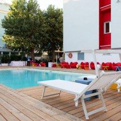 Hotel Rainbow Римини бассейн фото 3